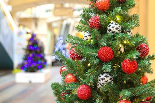 Новогодняя елка из стальной проволоки