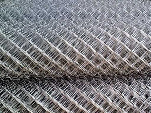 История возникновения рабицы – самой известной сетки из стальной проволоки